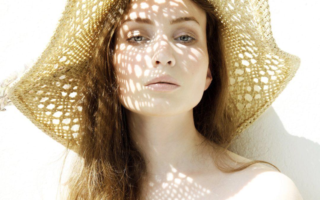 Hello Sunshine – die richtige Pflege für sonnengestresste Haut